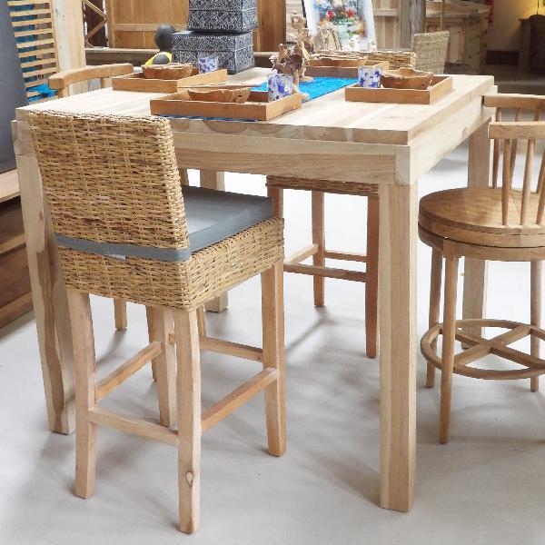 TABLE BAR ST-BARTH CARRÉE 140